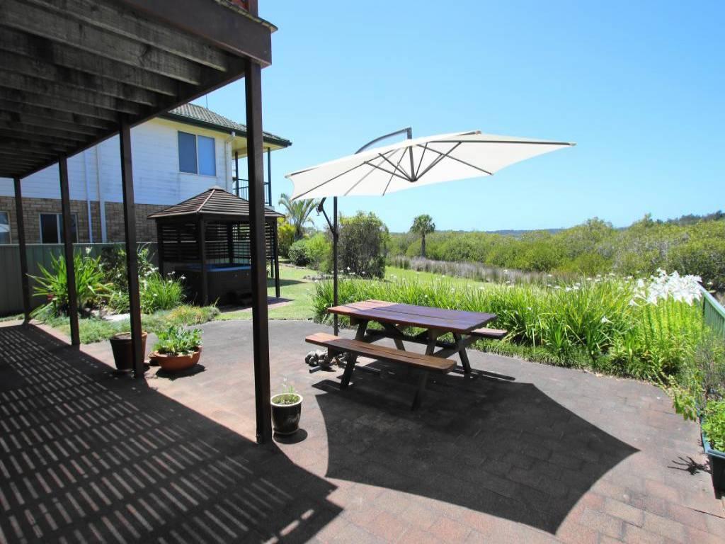 82 Port Stephens Street, Tea Gardens ⋆ Hawks Nest Beach ...
