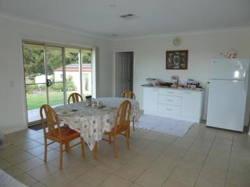 informal meals area, s/door